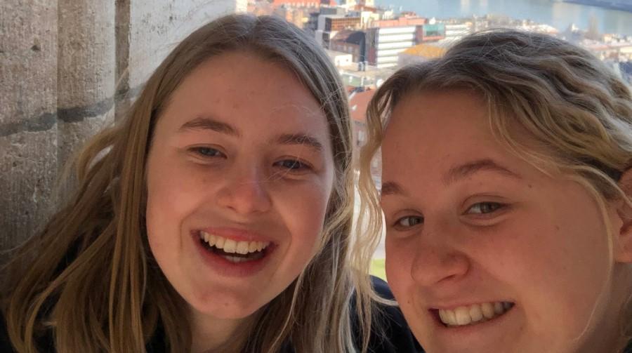 Ellie Lönnberg och Clara Bjarneborg på elevutbyte i Budapest